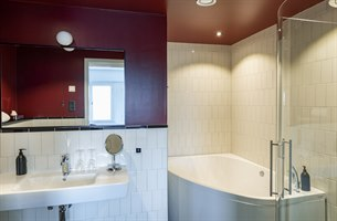 willmark suite bathroom